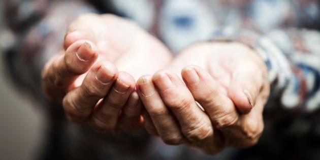poor_poverty_hands.630w.tn